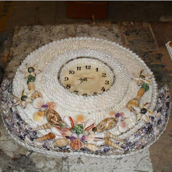 Shell Wall Clock